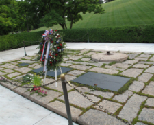 The wreath at JFK's grave