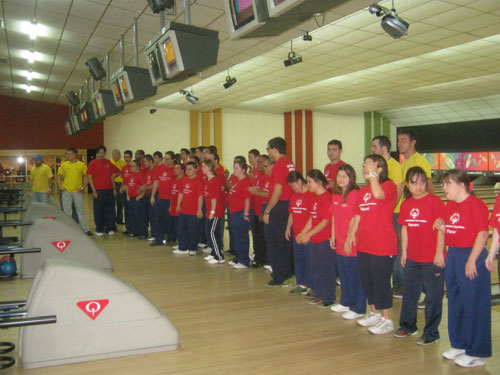 Panama Metro athletes who competed in the subprogram's bowling competition.