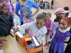 Students in Morocco celebrate Halloween with volunteers